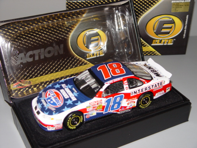 2002 Bobby Labonte NASCAR Diecast 18 Lets Roll 9 11 American Heroes Salute CWC 1:24 Action RCCA Elite 2