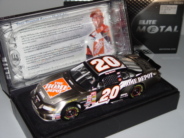 2002 Tony Stewart NASCAR Diecast 20 Home Depot CWC 1:24 Action Rcca Elite Metal 1