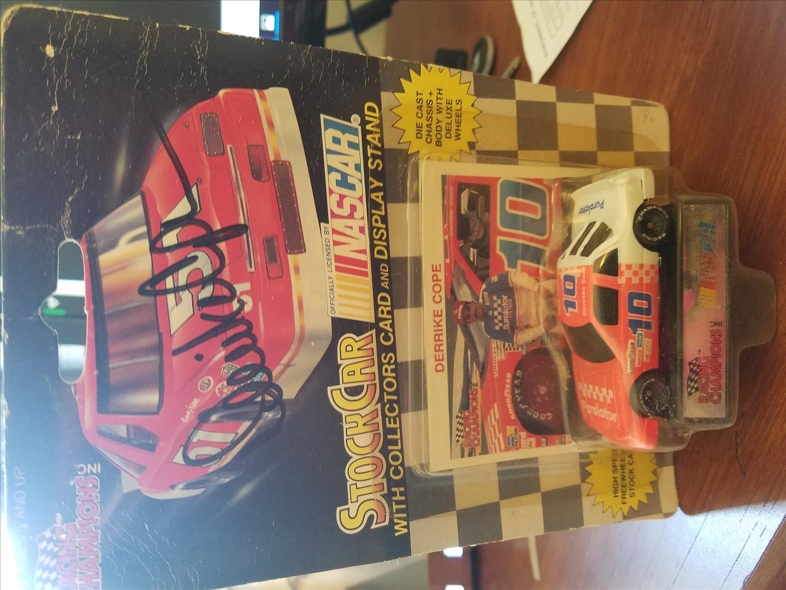 1991 Derrike Cope NASCAR Diecast 10 Purolator CWC 1:64 Racing Champions Black Wheels 1