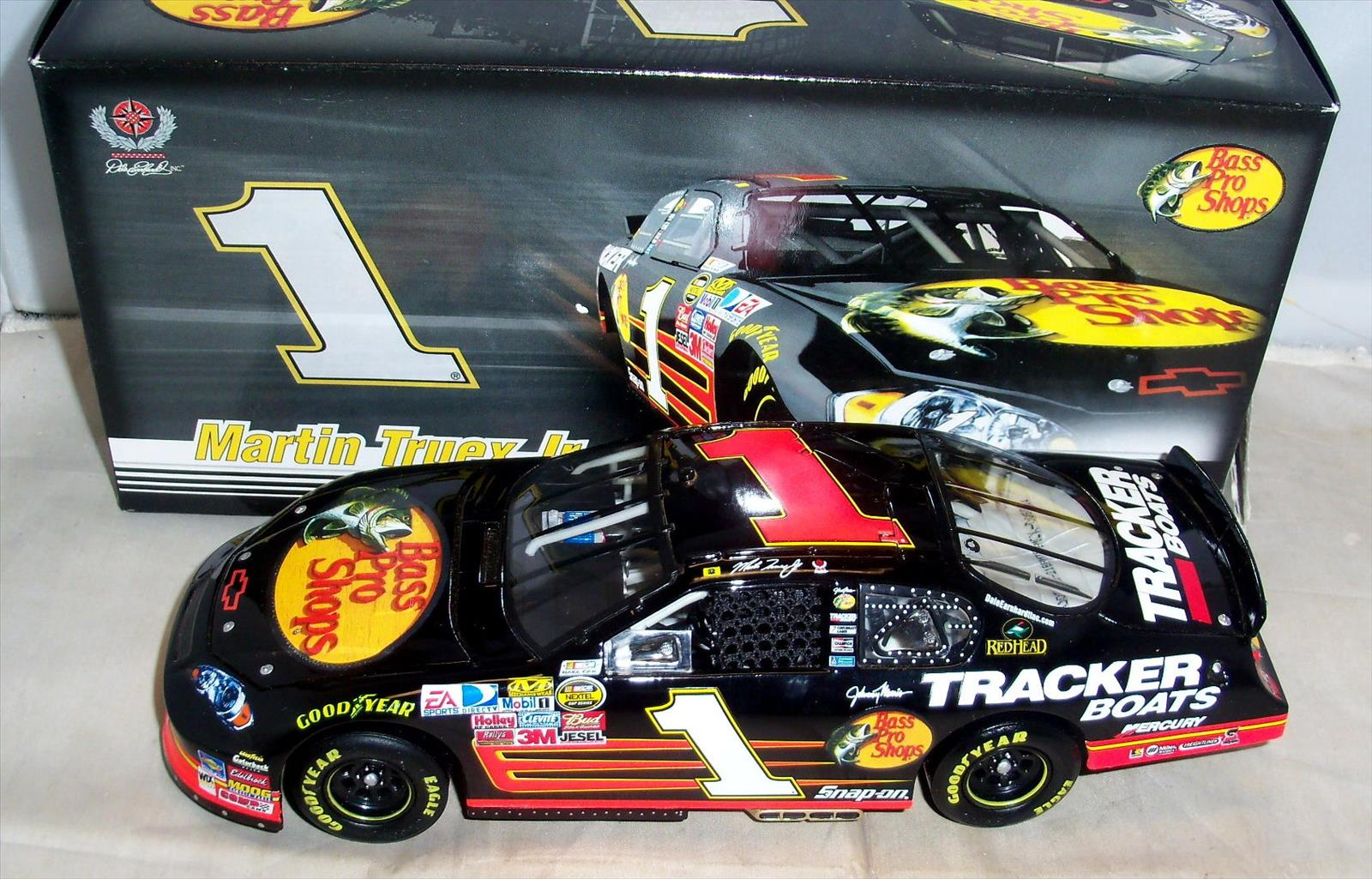 2007 Martin Truex Jr NASCAR Diecast 1 Bass Pro Shops CWC 1:24 Action ARC GM Dealers 1b