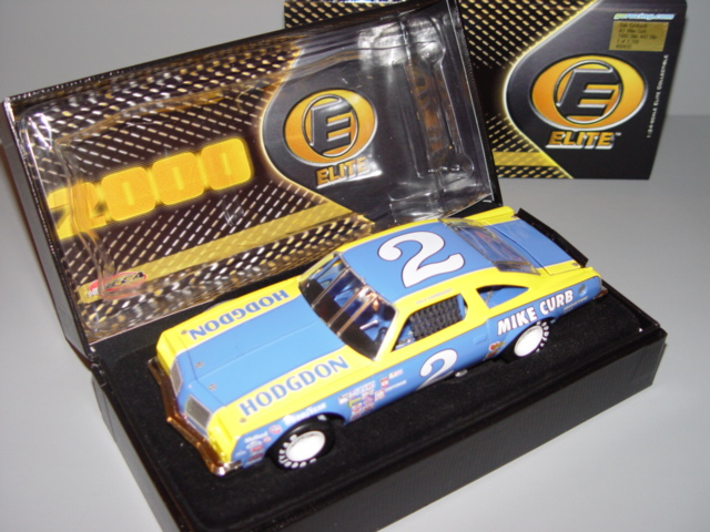 2000 Dale Earnhardt Sr NASCAR Diecast 2 Hodgdon Mike Curb 1980 Olds CWC 1:24 Action RCCA Elite 1