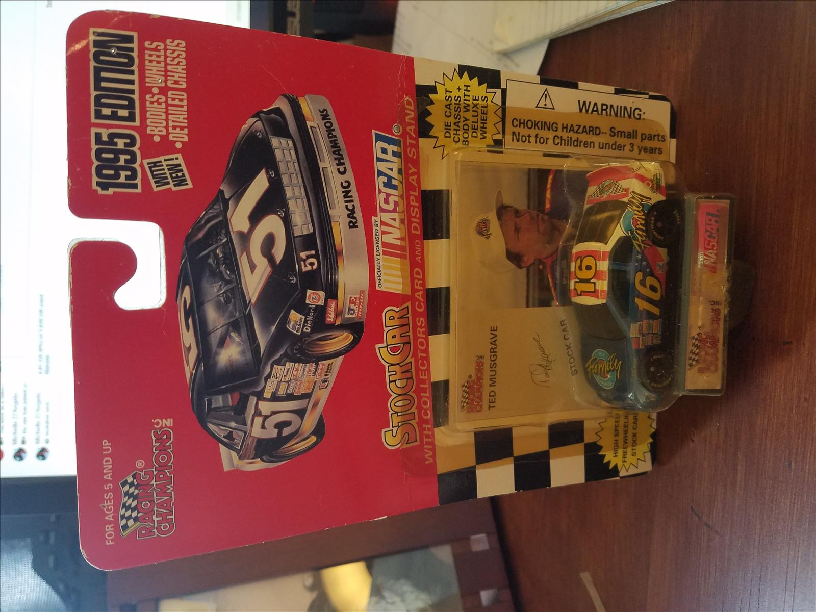 1995 Ted Musgrave NASCAR Diecast 16 Family Channel CWC 1:64 Racing Champions 1995 Edition 1