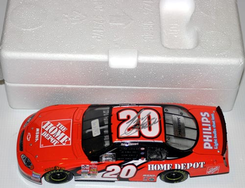 20 Tony Stewart Diecast 2003 NASCAR Home Depot CWC 1:24 Action ARC 1