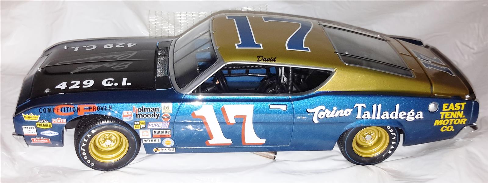 17 David Pearson Diecast 1969 Torino Talladega CWC 1:24 University Of Racing Autographed Signed 1