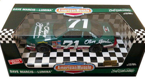 1995 Dave Marcis NASCAR Diecast 71 Olive Garden CWC 1:18 Ertl American Muscle 1