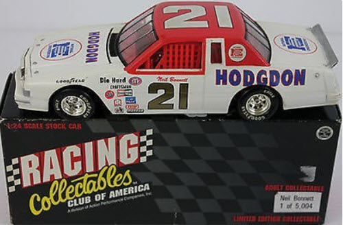1995 Neil Bonnett NASCAR Diecast 21 Hodgdon 1982 Thunderbird CWC 1124 Action RCCA Club Car 1