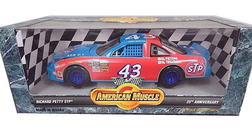 1996 Bobby Hamilton NASCAR Diecast 43 STP CWC 1:18 Ertl American Muscle 1972 Blue Red 1
