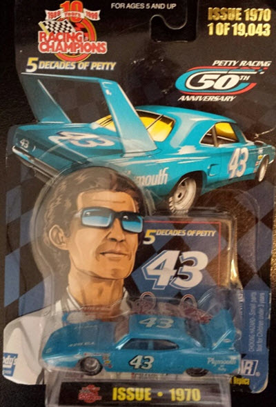 1999 Richard Petty NASCAR Diecast 5 Decades Of Petty 43 1970 Plymouth Superbird CWC 1:64 Racing Champions 1