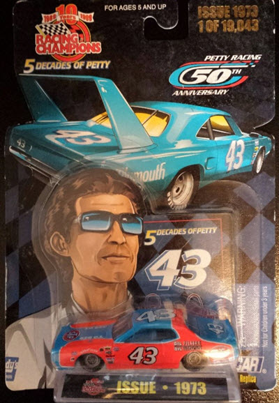 1999 Richard Petty NASCAR Diecast 5 Decades Of Petty 43 1973 Dodge Charger STP CWC 1:64 Racing Champions 1