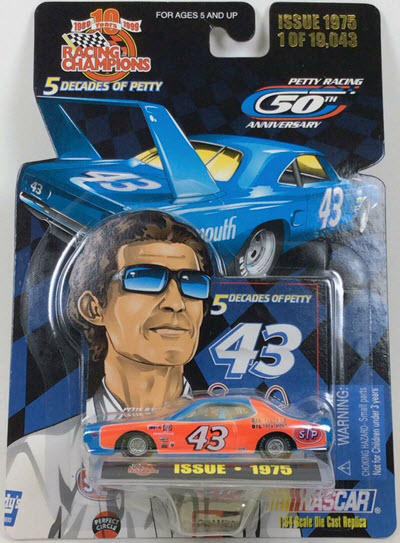 1999 Richard Petty NASCAR Diecast 5 Decades Of Petty 43 1975 Dodge Charger STP CWC 1:64 Racing Champions 1