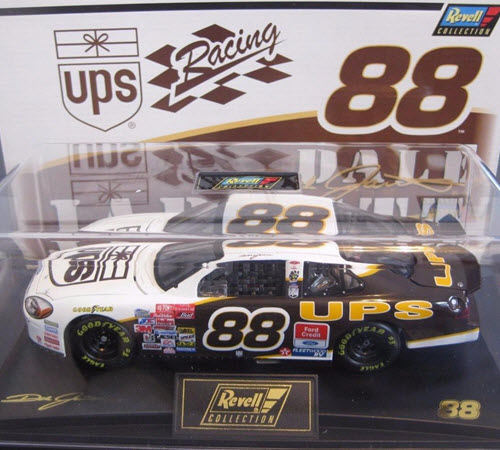 2001 Dale Jarrett NASCAR Diecast 88 UPS CWC 1:24 Revell Collection 1