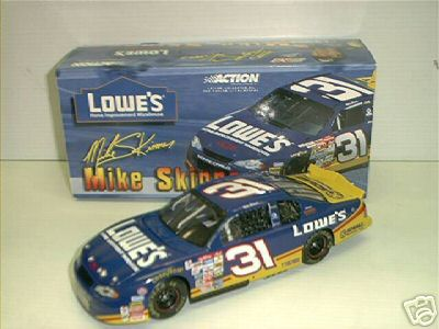 2001 Mike Skinner NASCAR Diecast 31 Lowes CWC 1:24 Action ARC 1