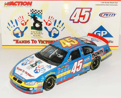 2003 Kyle Petty NASCAR Diecast 45 Hands To Victory CWC 1:24 Action ARC 1
