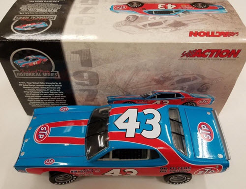 2003 Richard Petty NASCAR Diecast 43 STP 1975 Charger CWC 1:24 Action ARC 1a