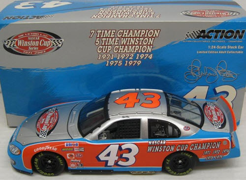 2003 Richard Petty NASCAR Diecast 43 Victory Lap CWC 1:24 Action ARC 1
