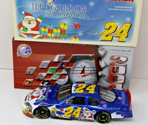 2004 Jeff Gordon NASCAR Diecast 24 Foundation Holiday CWC 1:24 Lionel Action ARC 1