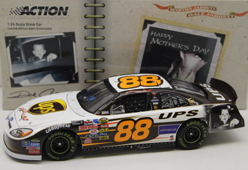 2005 Dale Jarrett NASCAR Diecast 88 UPS Mothers Day CWC 1:24 Action ARC 1