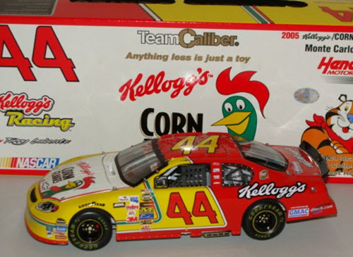 2005 Terry Labonte NASCAR Diecast 44 Kelloggs Corn Flakes Retro CWC 1:24 Team Caliber Owners 1b