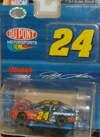 2007 Jeff Gordon NASCAR Diecast 24 DuPont CWC 1:64 Action ARC Drivers Select 1