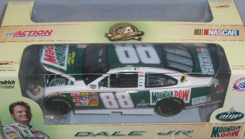 2008 Dale Earnhardt Jr NASCAR Diecast 88 Mountain Mtn Dew Retro CWC 1:24 Action Gold Series 1