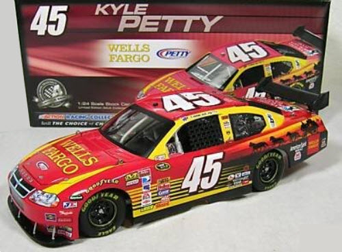 2008 Kyle Petty NASCAR Diecast 45 Wells Fargo CWC 1:24 Action ARC 1