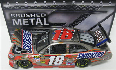 2011 Kyle Busch NASCAR Diecast 18 Snickers CWC 1:24 Action ARC Brushed Metal 1b
