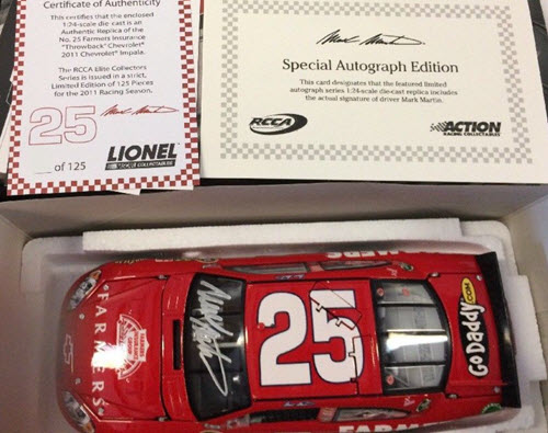2011 Mark Martin NASCAR Diecast 25 Farmers Insurance Darlington Throwback CWC 1:24 Lionel Action RCCA Elite Autographed 1