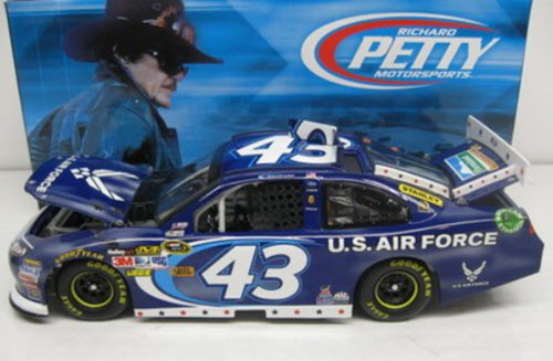 2012 Aric Almorola NASCAR Diecast 43 Air Force CWC 1:24 Lionel Action ARC 1b