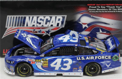 2013 Aric Almorola NASCAR Diecast 43 Air Force American Salute CWC 1:24 Lionel Action ARC 1