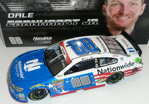 2016 Dale Earnhardt Jr NASCAR Diecast 88 Nationwide Insurance Stars and Stripes 1:24 CWC Lionel Action ARC 1