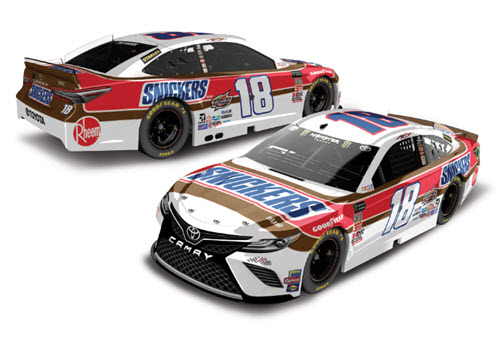 2019 Kyle Busch NASCAR Diecast 18 Snickers Darlington Throwback CWC 1:24 Lionel Action ARC 99