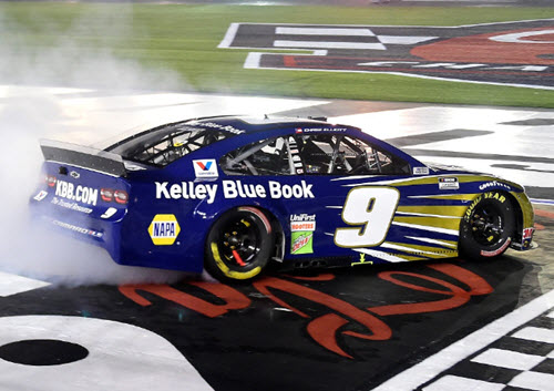 2020 Chase Elliott NASCAR Diecast 9 KBB Kelley Blue Book Charlotte Win Raced Version CWC 1:24 Lionel Action ARC 98