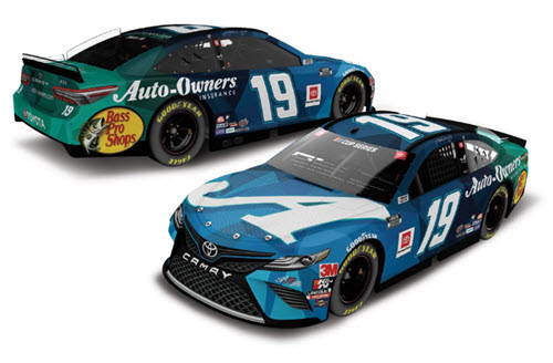 2020 Martin Truex Jr NASCAR Diecast 19 Auto Owners Sherry Strong CWC 1:24 Lionel Action ARC Autographed 98