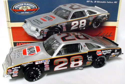 28 Buddy Baker Diecast 1977 NAPA Shocks Gray Ghost 2012 CWC 1:24 Action ARC 1