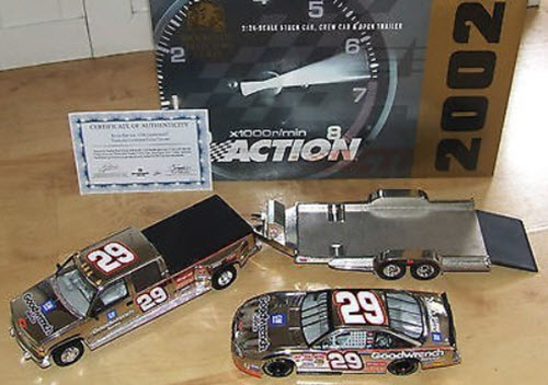 29 Kevin Harvick Diecast 2002 GMGW GM Goodwrench Crew Cab Dually Open Trailer with Car 1:24 Action Brookfield Incentive Color Chrome 1