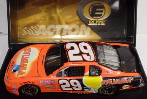 29 Kevin Harvick Diecast 2002 Sylvania CWC 1:24 Action RCCA Elite 1